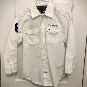 TOMMY HILFIGER boys long sleeve button down shirt